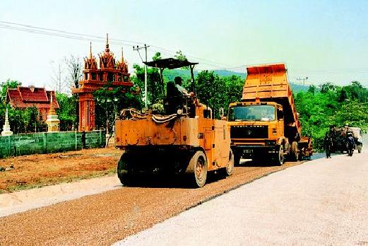 Đường QL8 Lào