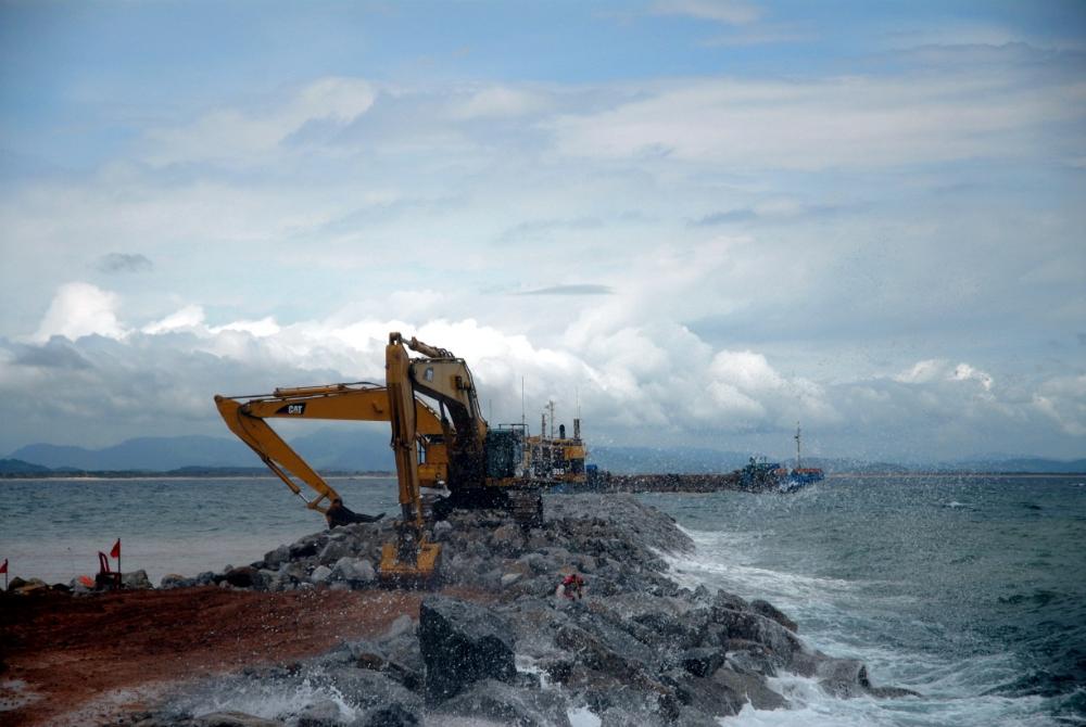 Công trình nhà máy lọc dầu Dung Quất