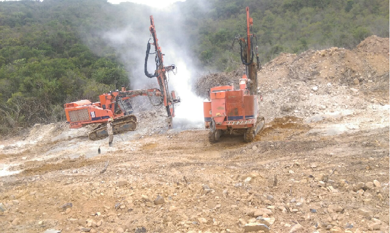 Thi công khoan phá đá Đảo Hòn Tre Nha Trang